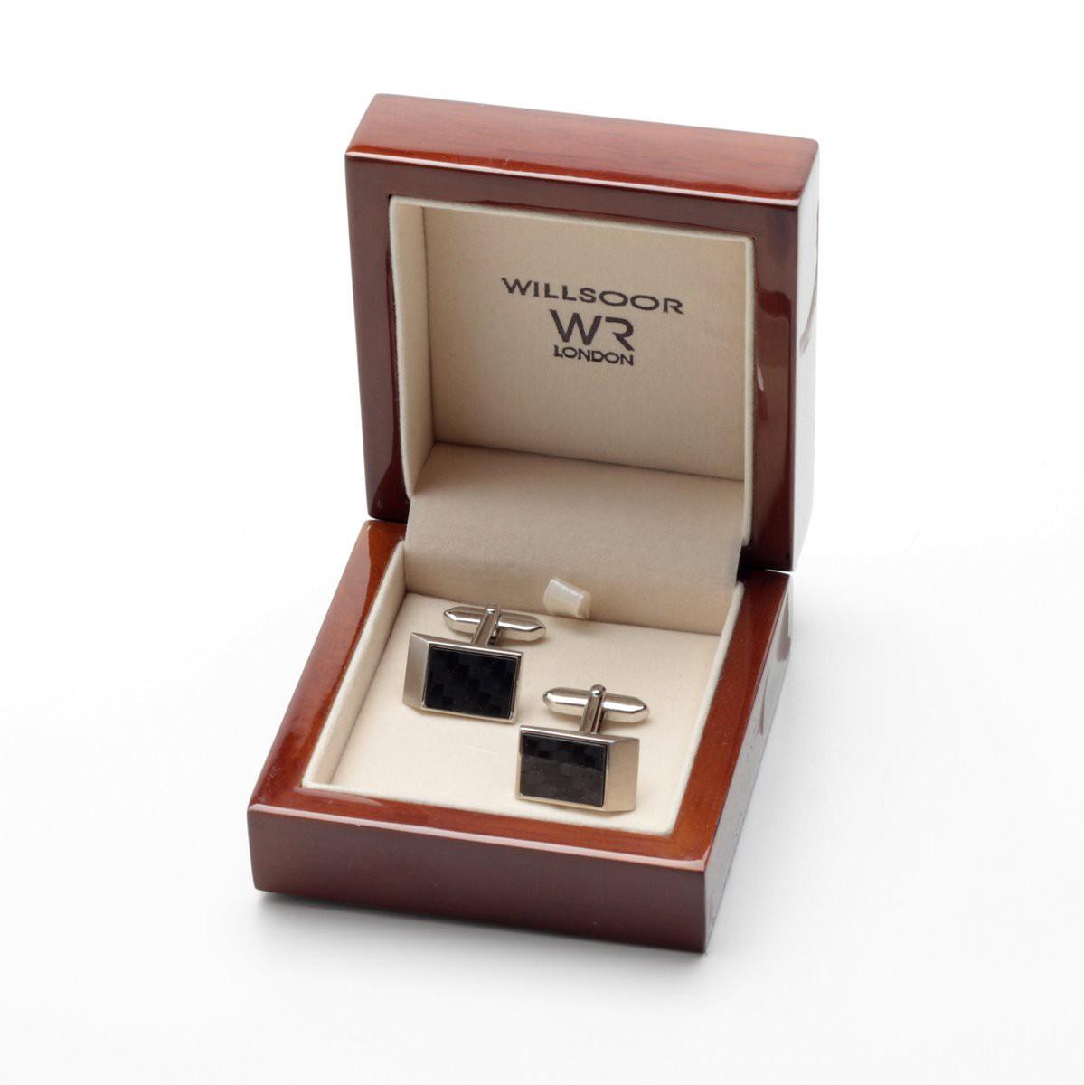 Spinki do mankietów w eleganckim pudełku
