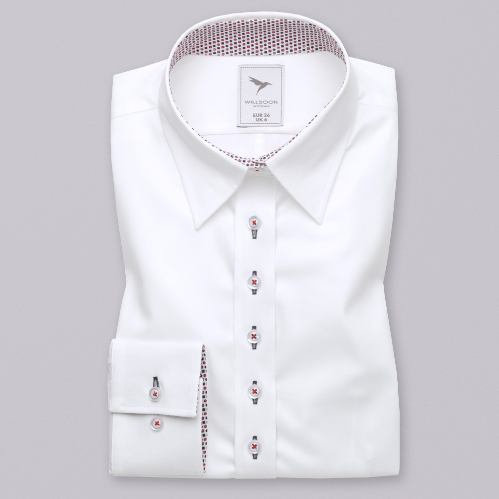 Biała bluzka z granatowo-czerwonymi kontrastami