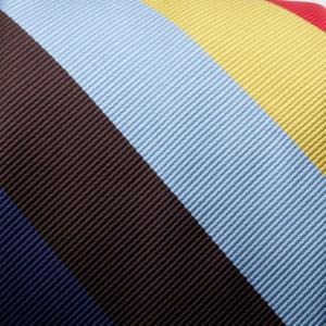 Klasyczny krawat w kolorowe pasy