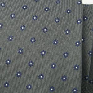 Szary jedwabny krawat w kwiaty